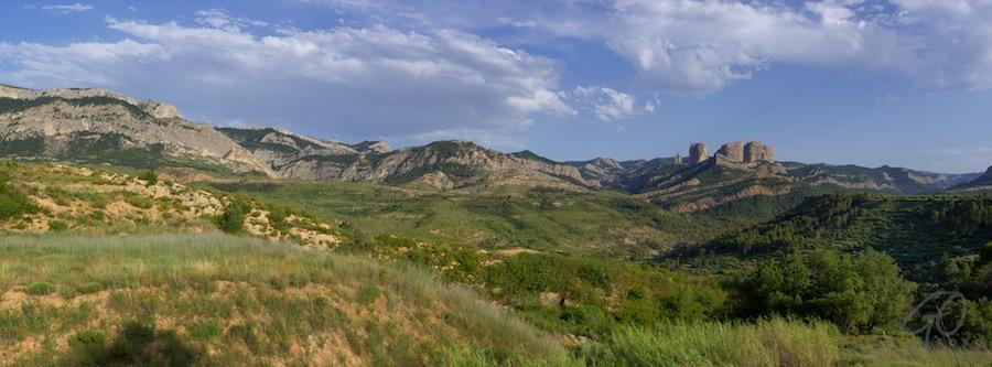 Facebook cover Els Ports, Tortosa, Spanje. Rotsen in bergachtig landschap.