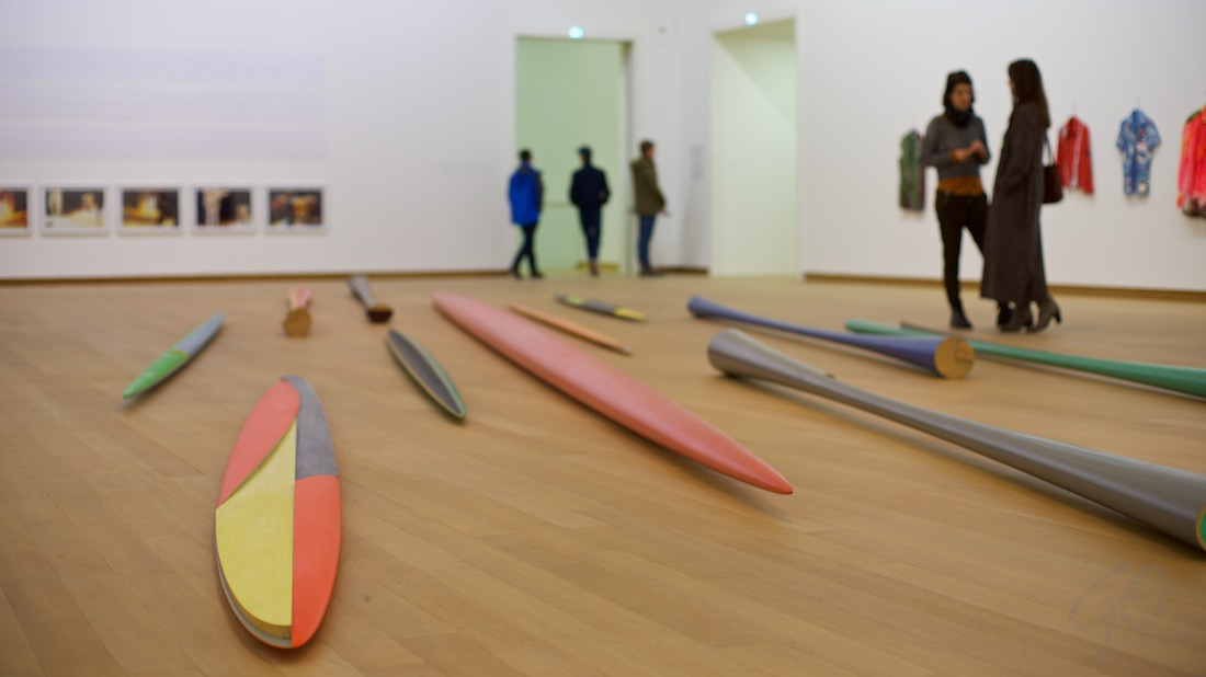 Expositie Isa Genzken in het Stedelijk Museum.